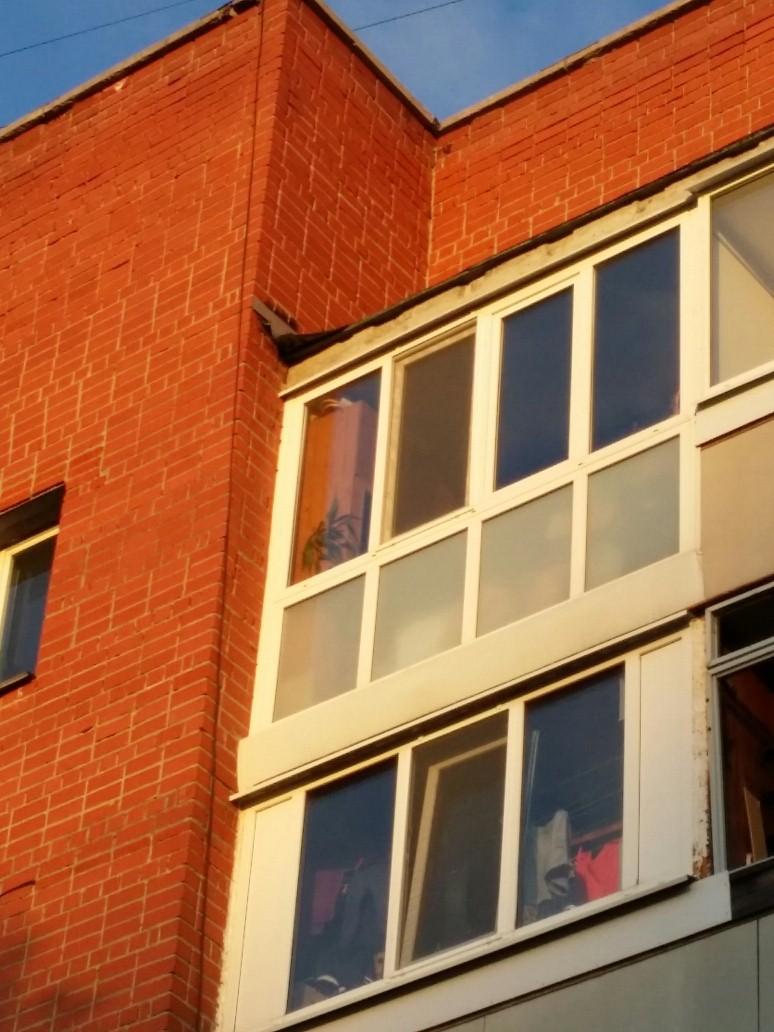 Застеклить балкон москва цена.